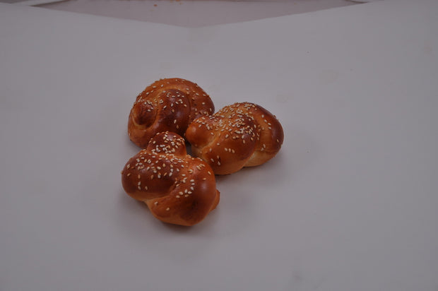 Knotted Challa Buns