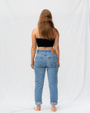 Load image into Gallery viewer, VTG LEVIS – 550 SIZE 28 #18