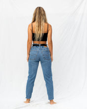 Load image into Gallery viewer, VTG LEVIS – 550 SIZE 32 #36