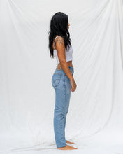 Load image into Gallery viewer, VTG LEVIS – 560 SIZE 26 #706