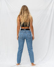Load image into Gallery viewer, VTG LEVIS – 550 SIZE 32 #37