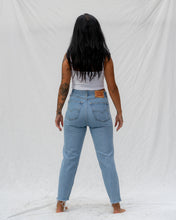 Load image into Gallery viewer, VTG LEVIS – 505 SIZE 28 #20