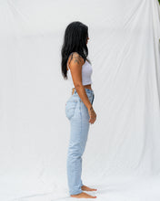 Load image into Gallery viewer, VTG LEVIS – 560 SIZE 26 #704