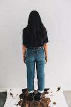 Load image into Gallery viewer, VINTAGE LEVI'S 501 size 32 #032w Gypsy Trader