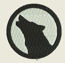 Load image into Gallery viewer, Wolf Howling Embroidered Patch - EH Patches