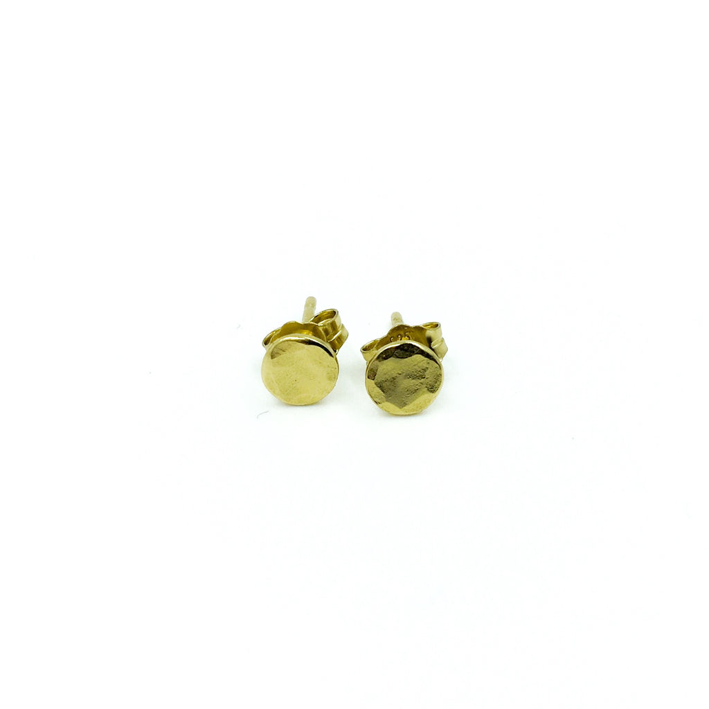 YELLOW GOLD TINY STUDS HAMMERED