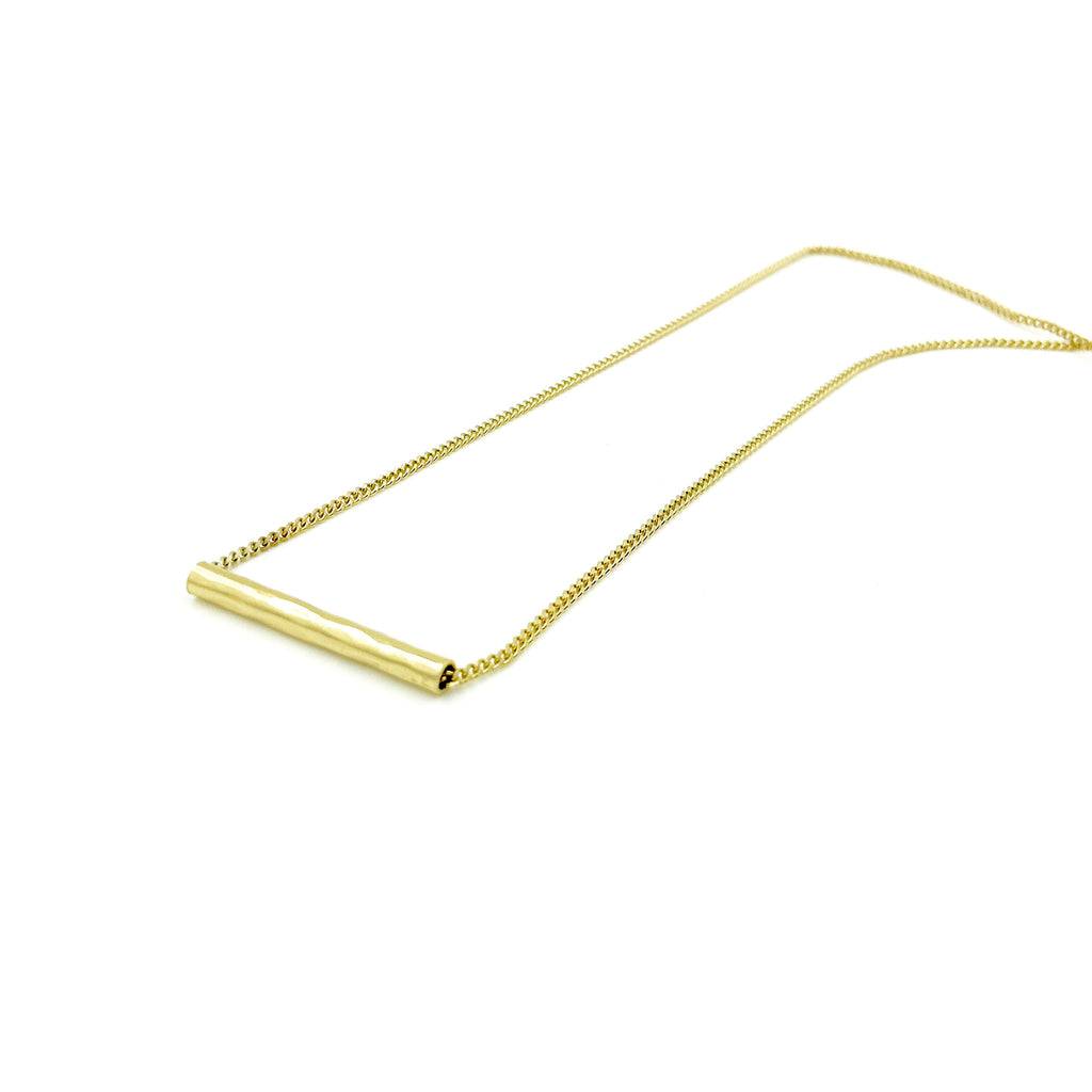 YELLOW GOLD HAMMERED PIPE NECKLACE