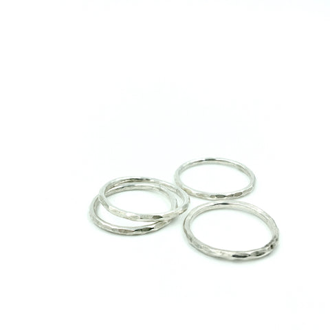 MENS HAMMERED ROUND RING