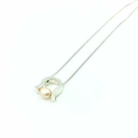 PEARL SUSPENSION PENDANT