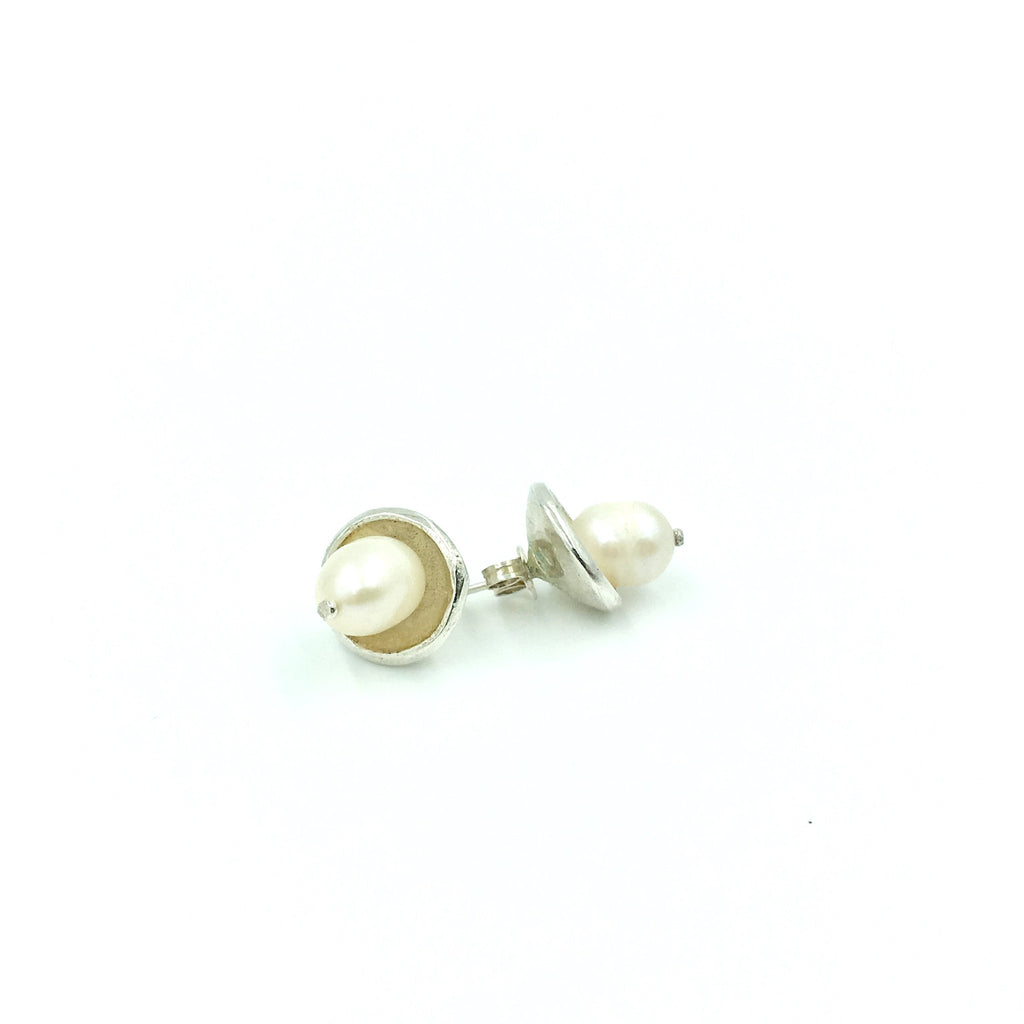 PEARL SOLITARE STUD EARRINGS