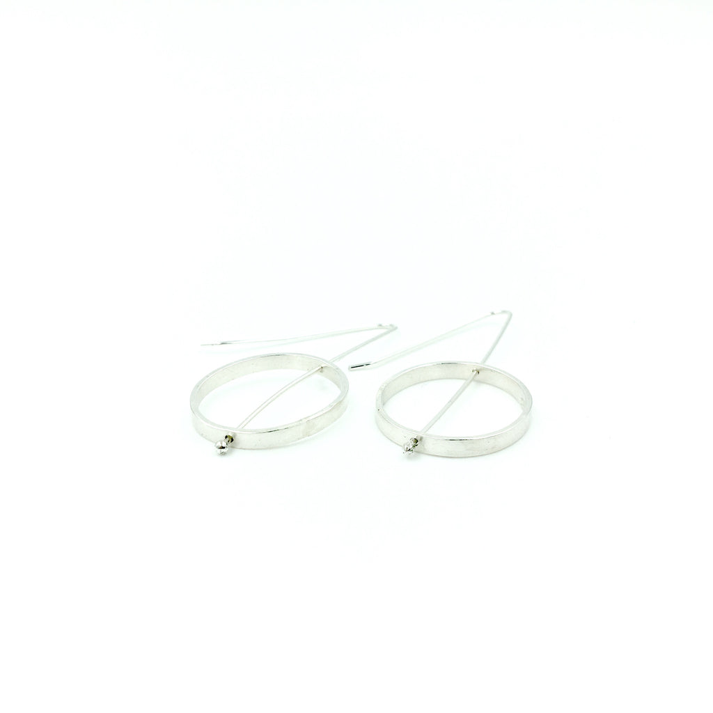 OVAL FRAME EARRINGS