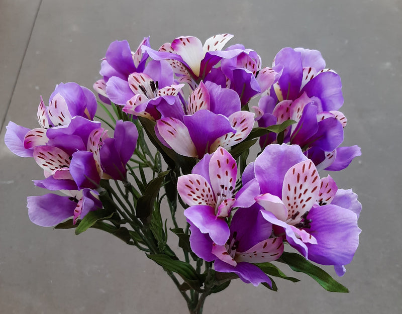 "14"" Alstroemeria Silk Bush"
