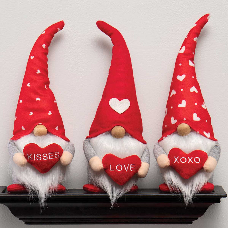 Valentine Gnome with Heart