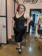 Load image into Gallery viewer, Moms Closet Black Satin under bust curvy corset