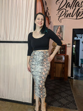Load image into Gallery viewer, Billie Jo Retro 3/4 Sleeve Crop Top - Mint