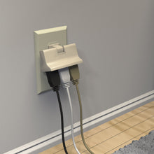 Load image into Gallery viewer, STANLEY 3 - OUTLET SWIVEL ADAPTER - Stanley Electrical Accessories