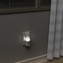 Load image into Gallery viewer, STANLEY AUTO LED NIGHT LIGHT - Stanley Electrical Accessories