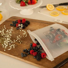 Load image into Gallery viewer, Reusable Silicone Preservation Airtight Seal Food Bag