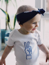 Load image into Gallery viewer, Peace sign baby onesie white - The perfect baby gift!