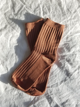 Load image into Gallery viewer, HER SOCKS - CARAMEL