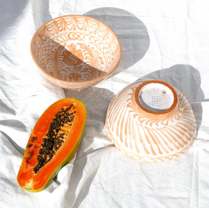 MEDIUM BOWL WITH HAND PAINTED DESIGN | PEACH - POMELO