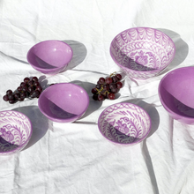 Load image into Gallery viewer, MEDIUM BOWL WITH HAND PAINTED DESIGN | LILAC - POMELO