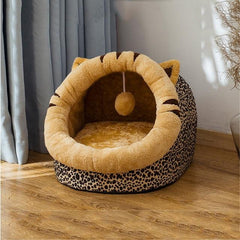 Comfortable, delicate and warm bed for cats and small dogs | Washable