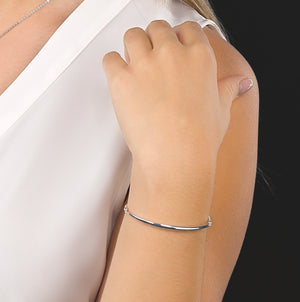 Load image into Gallery viewer, Kit Heath Bevel Curve Bar Toggle Bracelet