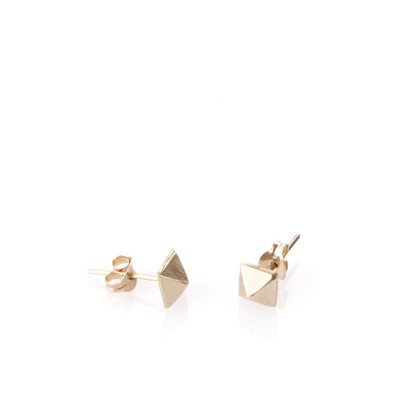 14k studs earrings