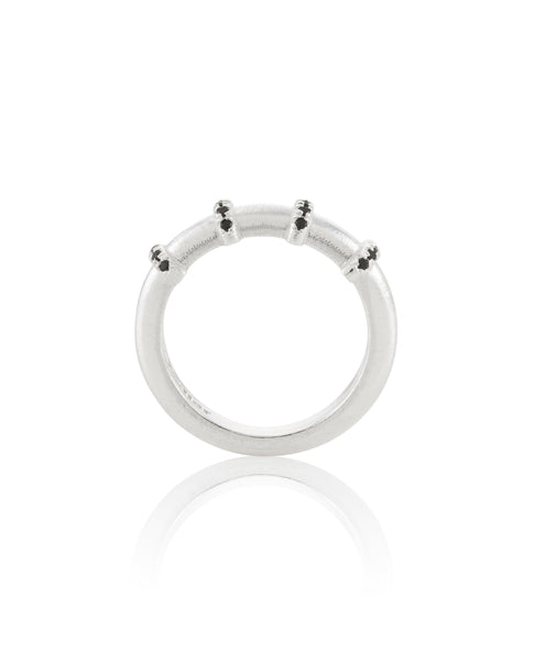 silver 4 loops ring with black stones
