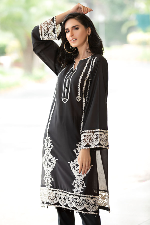 2479-SIAM EMBROIDERED LAWN STITCHED