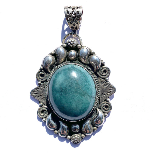 Turquoise Pendant Set in Sterling Silver with Vintage Styling