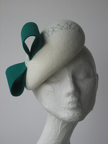 bow beret - in stock