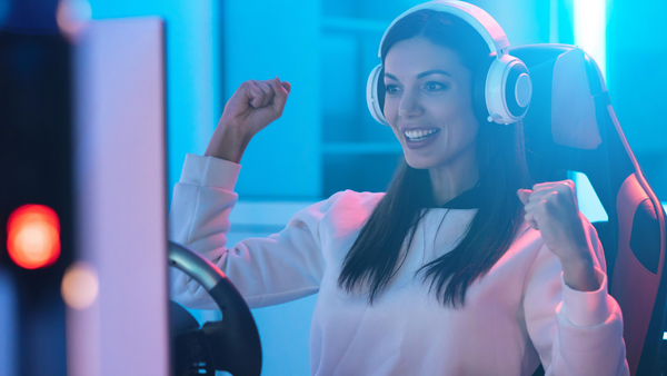 The 20 Hottest Female Gamers Taking the Gaming World By Storm
