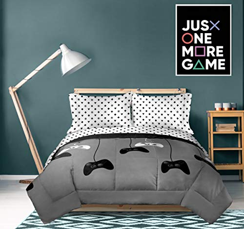 Jay Franco Game On 4 Piece Twin Bed Set - Includes Reversible Comforter