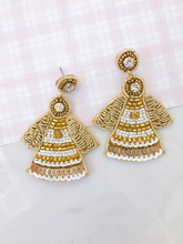 Load image into Gallery viewer, angel earrings