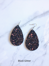 Load image into Gallery viewer, black glitter earrings