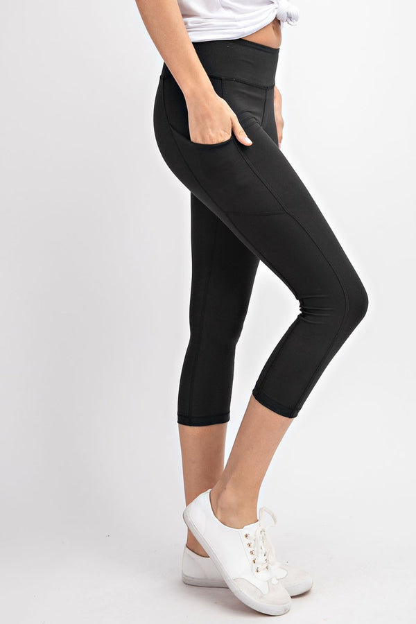 Black Capri Length Yoga Pants with Pockets