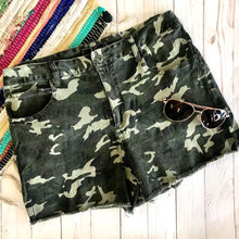 Load image into Gallery viewer, Camo Shorts