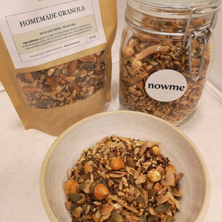 Homemade granola - Nuts and Seeds No Sugar