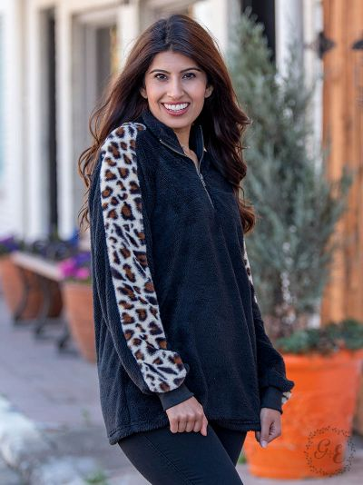 Droppin' Hints Pullover Wubby, Leopard