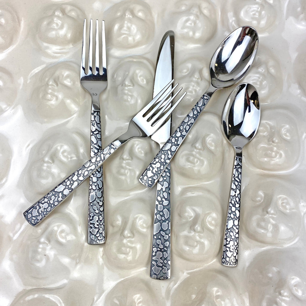 Panthera Platinum 5 Piece Place Setting