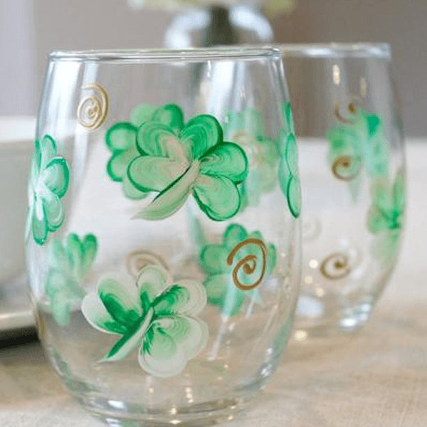 Shamrock wine glasses Hand Painted Set of 2 Stemless Wine Glasses