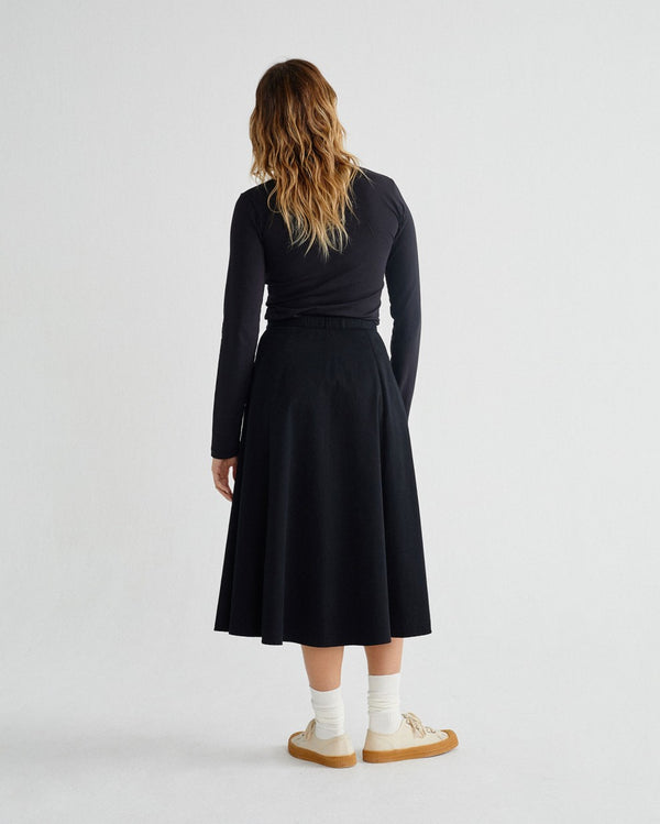 Black Tauret Skirt von Thinking MU