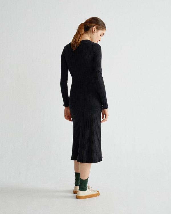 Black Trash Hathor Dress von Thinking MU