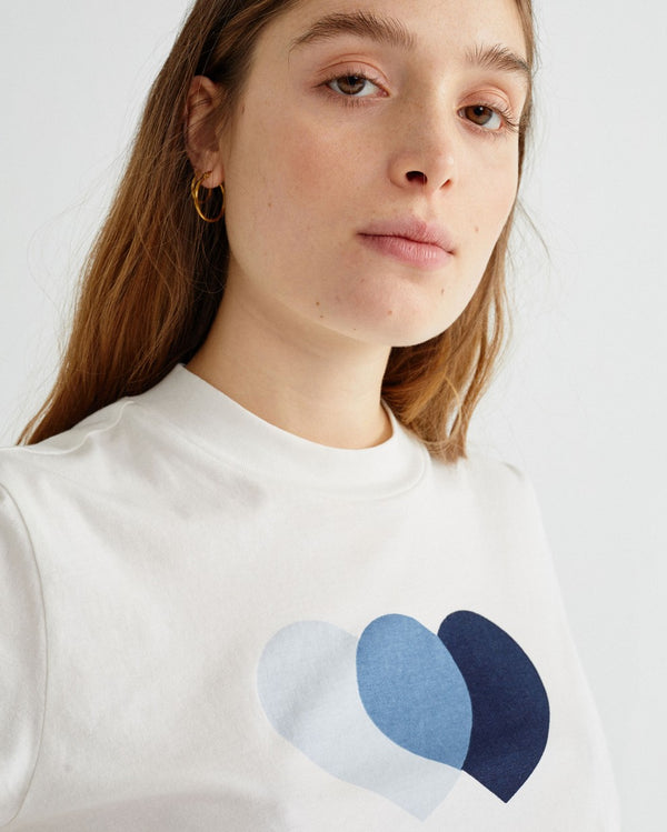 Blue Hearts Mock T-Shirt von Thinking MU