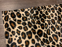 Load image into Gallery viewer, Leopard Faux Fur With Black Tassel