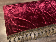 Load image into Gallery viewer, Burgundy Crushed Velvet Dashmat With Black/Gold Tassel