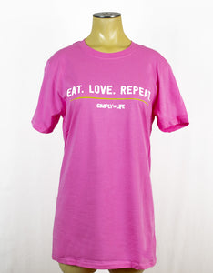 T-shirt: Eat.Love.Repeat Crewneck