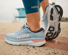 Load image into Gallery viewer, Women's Hoka Bondi 7 - Blue Fog / Ombre Blue